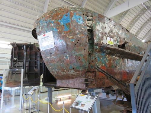 海上保安資料館横浜館工作船の後ろの弾痕