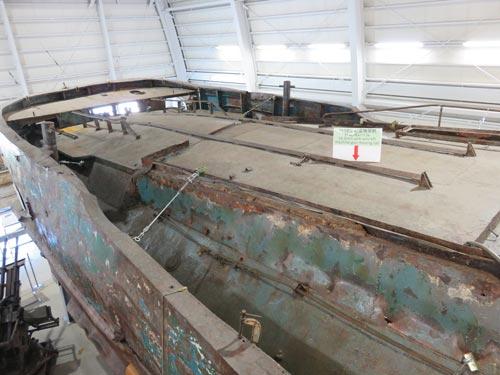海上保安資料館横浜館工作船を上から(後方)