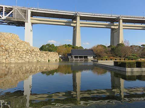 瀬戸大橋記念公園刻月亭