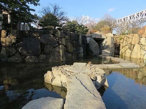 瀬戸大橋記念公園渡り石