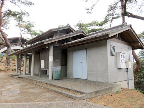 香川県観音寺市「銭形砂絵」のトイレ